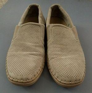 Robert Wayne Size 9 Slip-Ons
